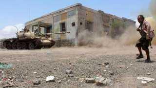 عناصر من مليشيا الحوثي تقاتل مع الإصلاح في تعز