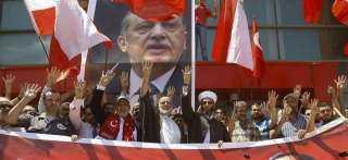 إخوان تركيا ينتهكون حرمة الأماكن المقدسة