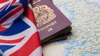 بريطانيا تقدم خططًا أكثر صرامة بشأن الهجرة