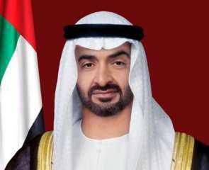بن زايد وأمير الكويت وولي عهده يتبادلون التهاني بمناسبة عيد الفطر المبارك