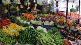 قائمة بأسعار عدد من الخضروات والفواكه في الأسواق اليمنية اليوم السبت