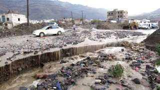عاجل.. شوارع صنعاء تخرج عن الخدمة وتتحول إلى بحيرات مفتوحة