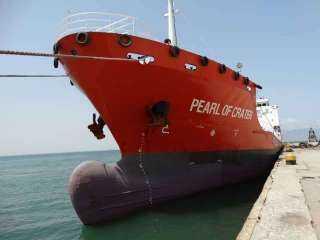 مصدر : وصول وقود الطائرات إلى ميناء الزيت في عدن